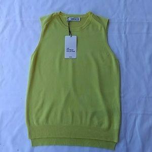 Simple and classy Zara sleeveless sweater top